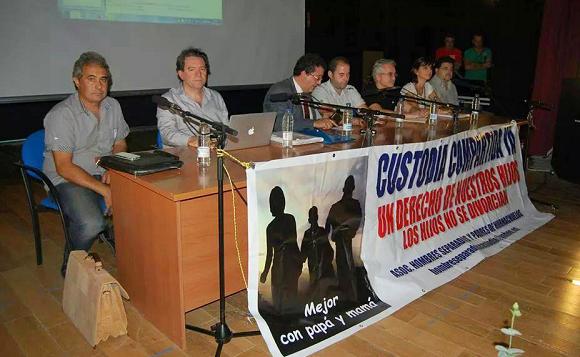Nuestra colaboradora María Castilla participa en la 'I Conferencia sobre Guarda y Custodia Compartida' celebrada en Hornachuelos (Córdoba)